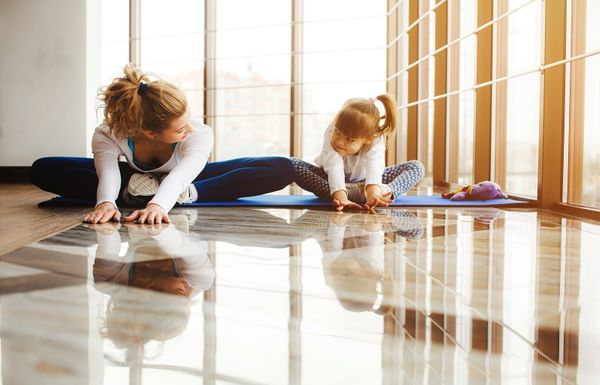 7 Simple Ways to Practice Yoga & Mindfulness with Kids at Home